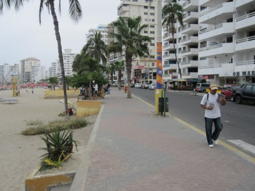 boardwalk-in-salinas-ecuador