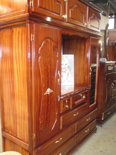cabinet for sale in Ecuador