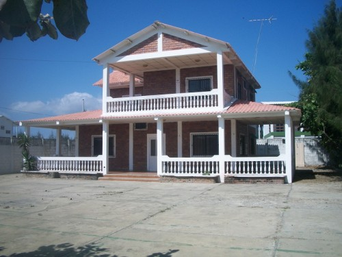 homes-for-sale-near-beach-in-ecuador